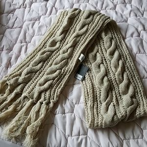 NWT Forever 21 off white scarf